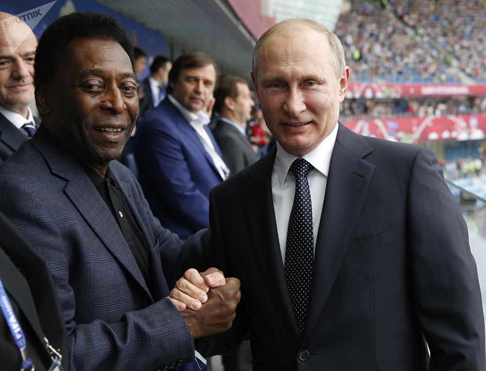El futbolista Pele y el presidente de Rusia, Vladímir Putin