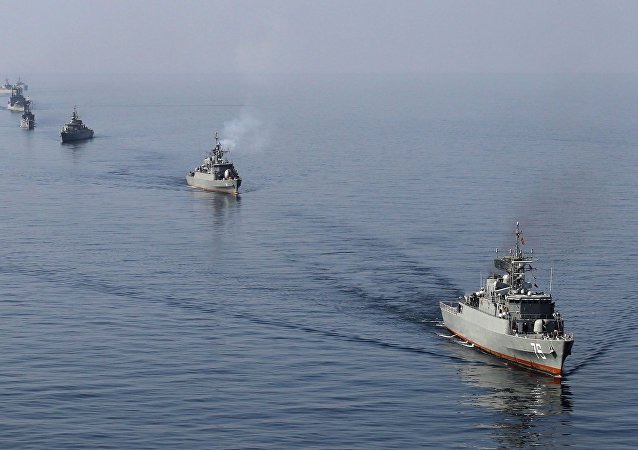 Iranian Navy boats take part in maneuvers during the Velayat-90 navy exercises in the Strait of Hormuz in southern Iran (File)
