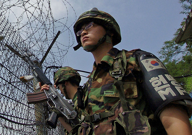 Militares surcoreanos en la frontera con Corea del Norte