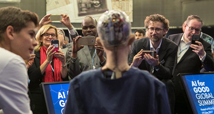 La androide Sofía en la conferencia de robótica 'AI for GOOD Global Summit'. Ginebra, Suiza, 9 de junio de 2017.