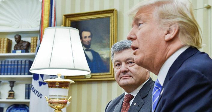 El presidente de Ucrania, Petró Poroshenko, y su homólogo estadounidense, Donald Trump