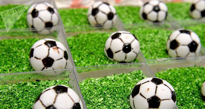 Balones de fútbol comestibles (imagen referencial)