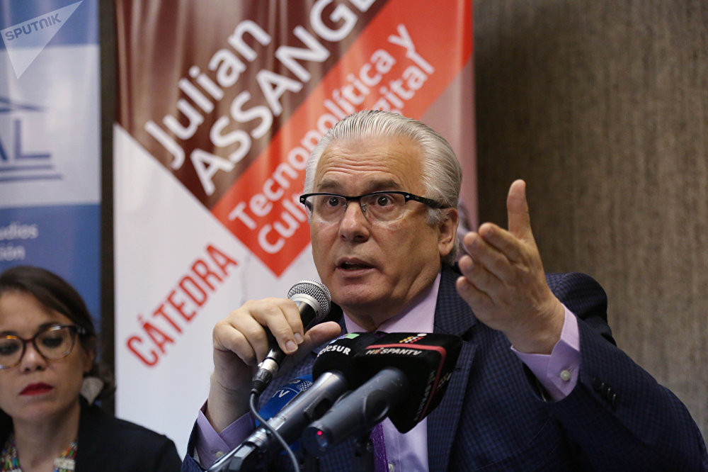 Ecuador ve apertura en autoridades del Reino Unido para tratar caso Assange