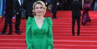 Estilo ruso: los mejores vestidos de María Zajárova
