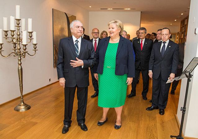 La primera ministra de Noruega, Erna Solberg en su encuentro con el presidente brasileño Michel Temer