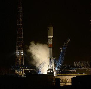 Lanzamiento del cohete portador Soyuz 2.1B