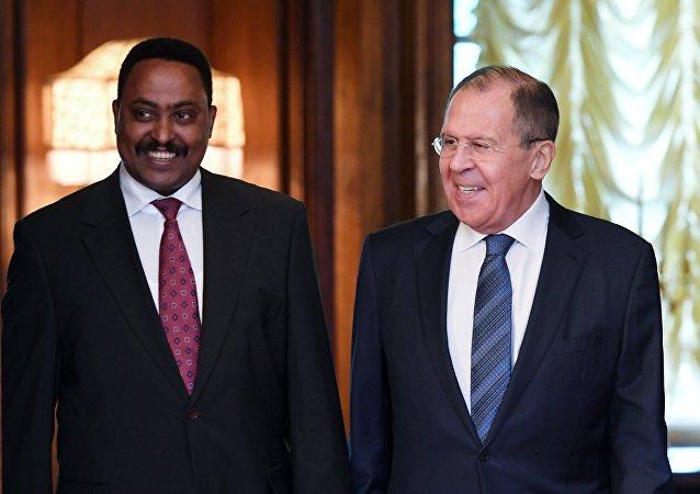Ministro etíope de Exteriores, Workneh Gebeyehu, ministro ruso de Exteriores, Serguéi Lavrov.