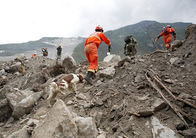 Consecuencias de deslizamientos de tierra (imagen referencial)
