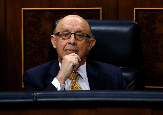 Cristóbal Montoro, ministro de Hacienda de España (archivo)