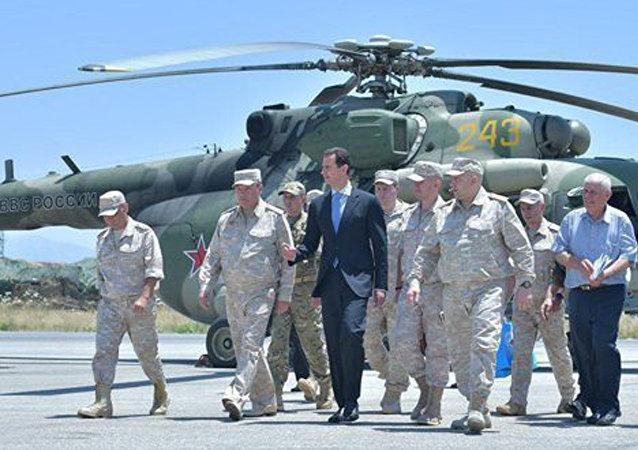 Presidente de Siria, Bashar Asad en la base rusa Hmeymim