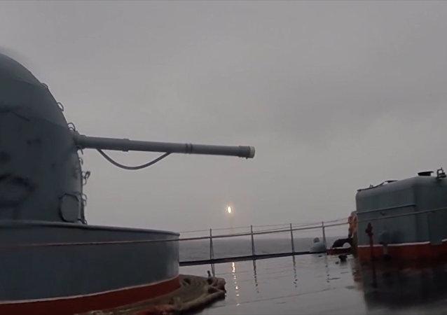 Así se lanzó el misil intercontinental ruso Bulavá