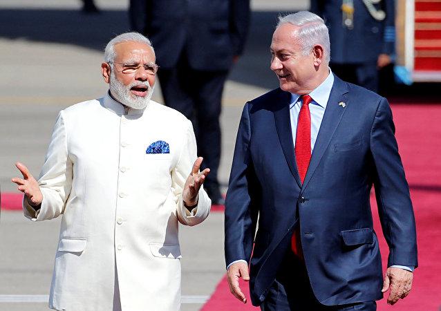 Benjamín Netanyahu, primer miniestro de Israel, y su homólogo de la India, Narendra Modi