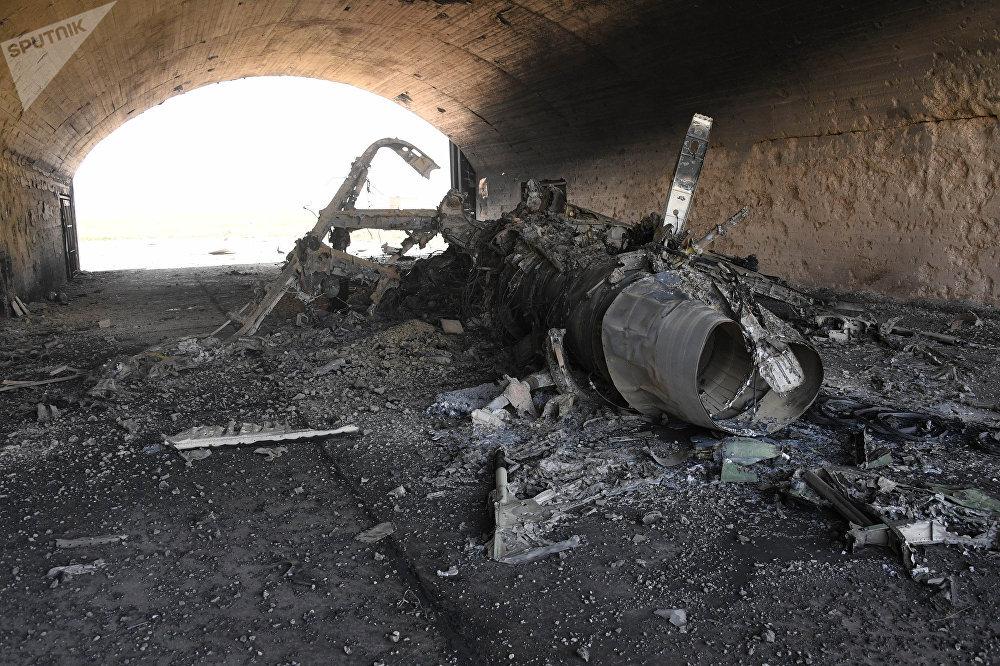 Las consecuencias del ataque de misiles de EEUU sobre la base aérea Shairat del Ejército sirio