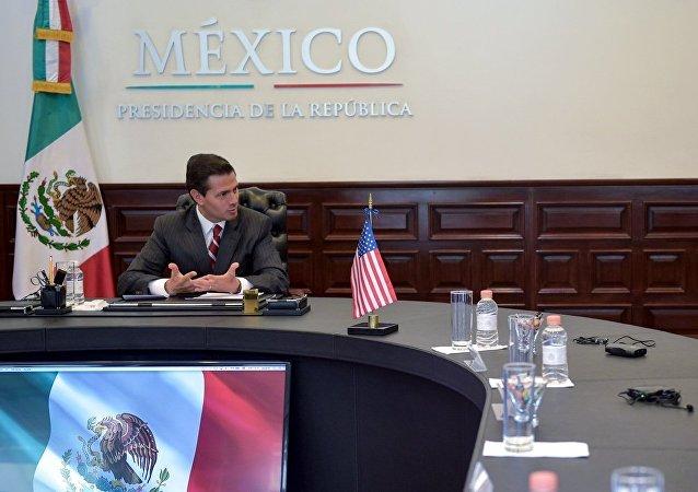Enrique Peña Nieto, presidente de México, y John Kelly, secretario de Seguridad Interior de EEUU