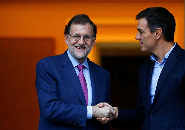 Mariano Rajoy, expresidente del Gobierno de España, y Pedro Sánchez, el presidente en funciones del Gobierno español
