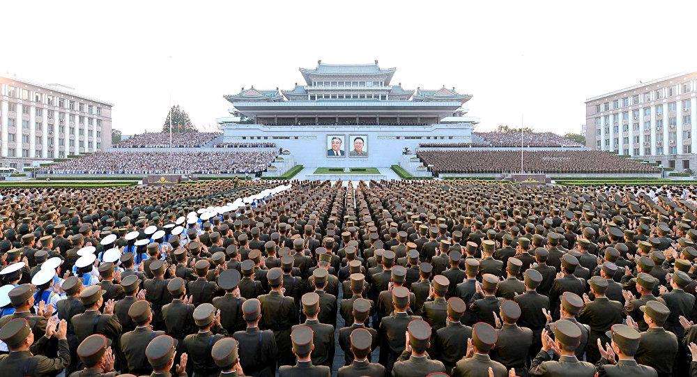 Ejército de Corea del Norte celebra el exitoso lanzamiento balístico