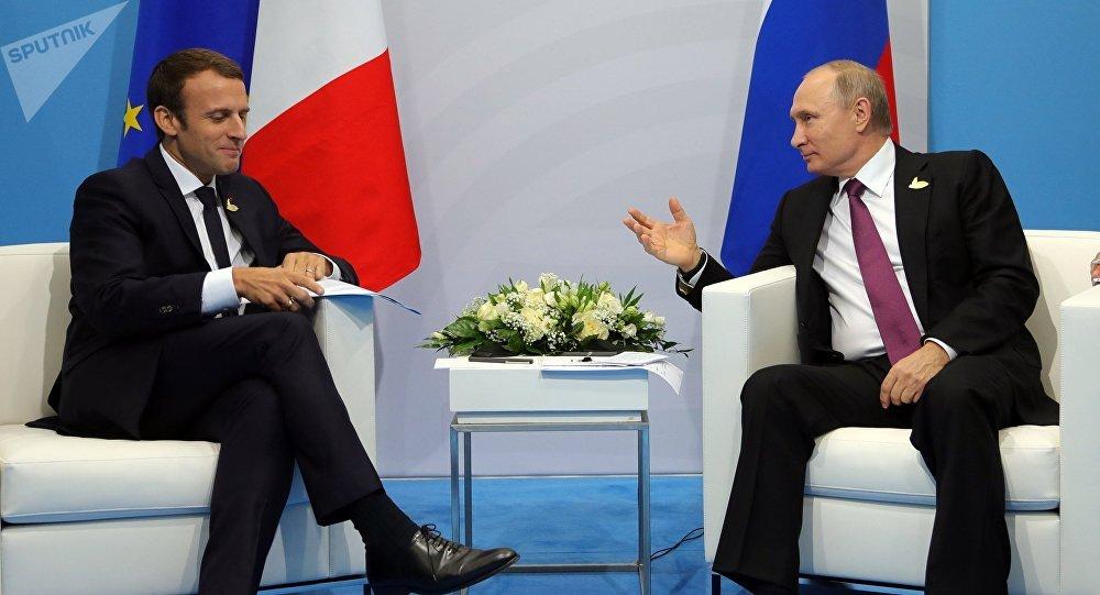 El presidente de Francia Emmanuel Macron y el presidente de Rusia Vladimir Putin en G20, Hamburgo