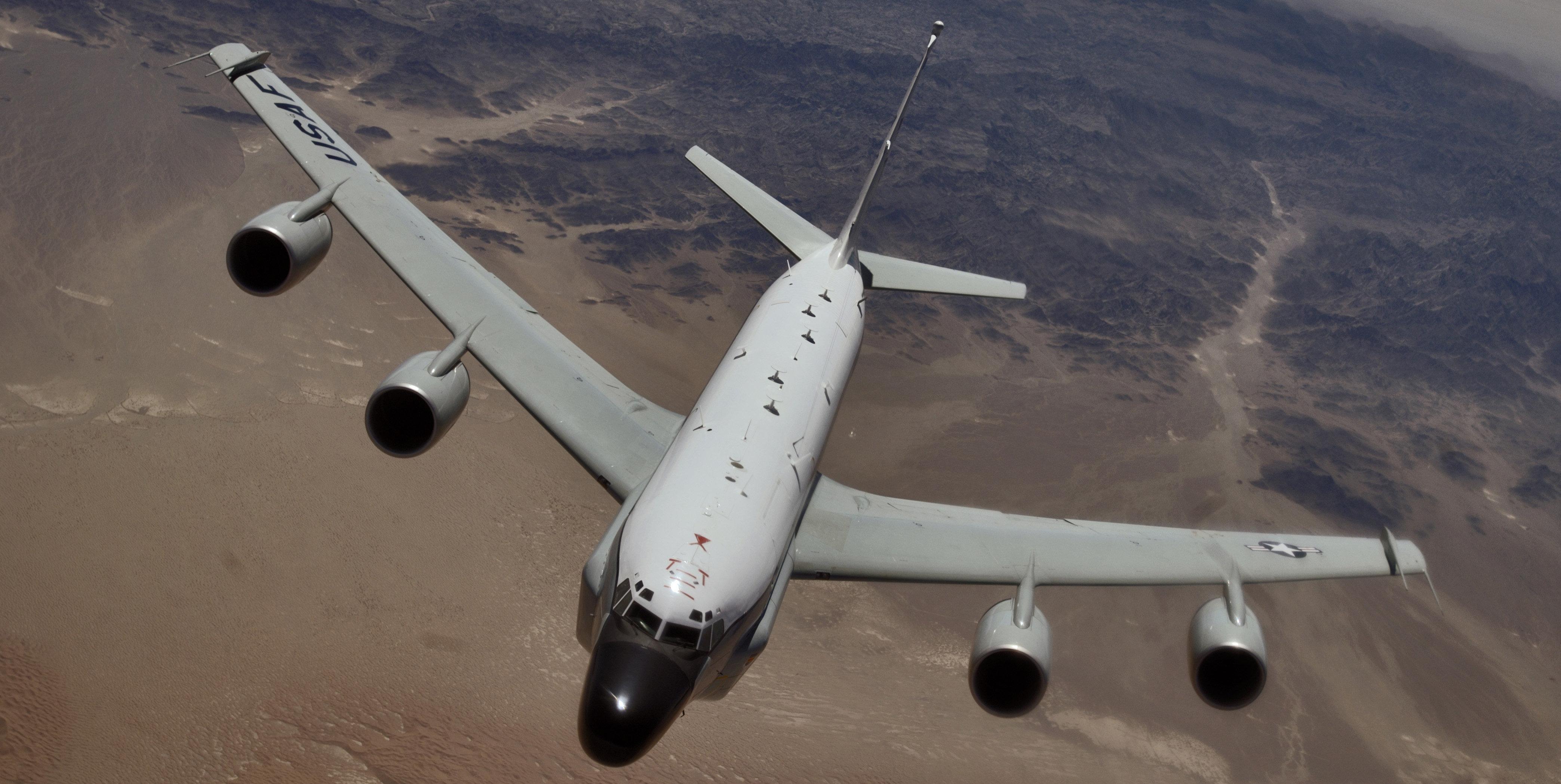 Un avión espía RC-135 desde el que se avistó al ovni