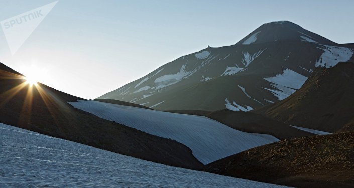 Una vista al volcán Aváchinski