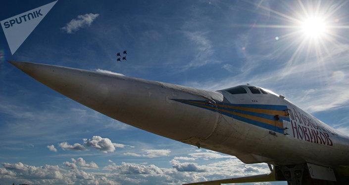 Bombardero estratégico supersónico Tu-160 (archivo)