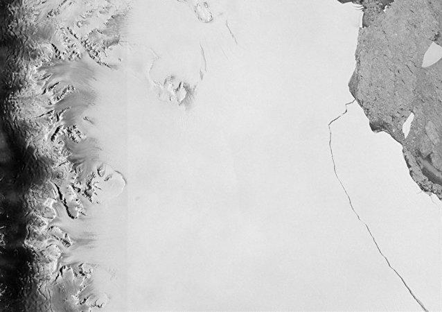 Vista satelital del iceberg desprendido en La Antártida