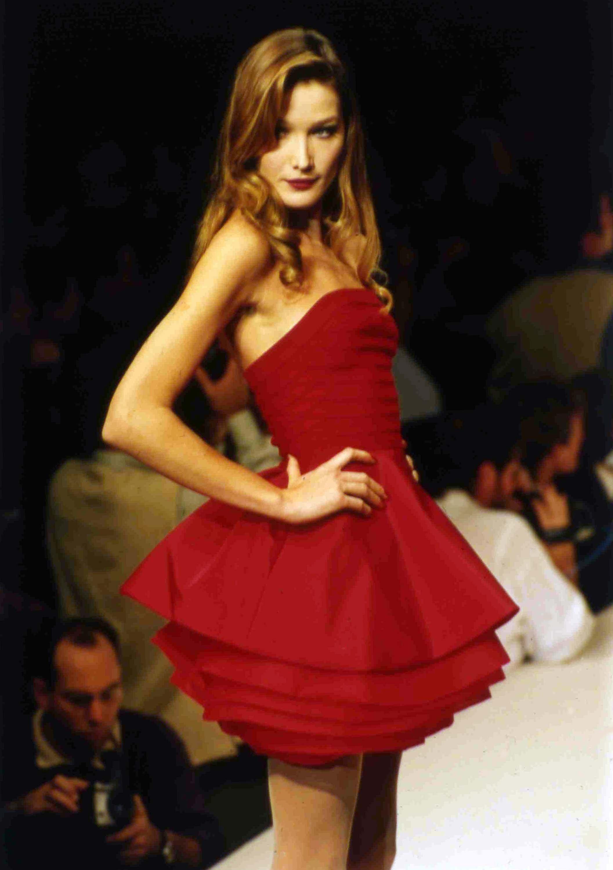 Carla Bruni, modelo profesional
