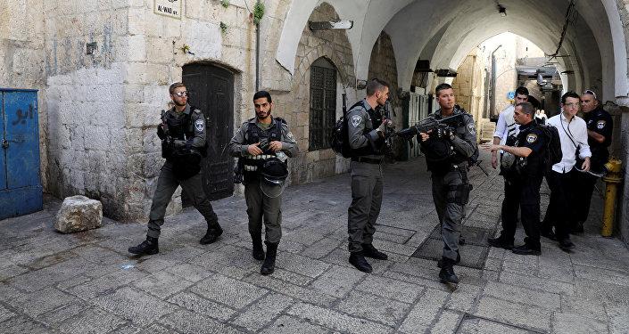 Policía israelí en el lugar del ataque en Jerusalén