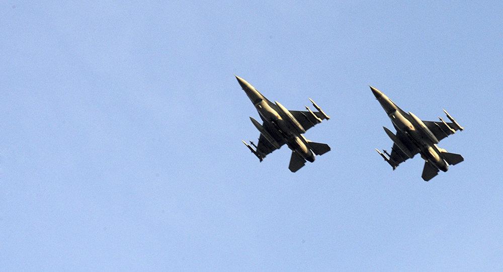 Cazas F-16 (archivo)