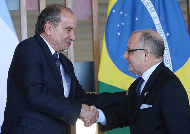 Jorge Faurie, ministro de Relaciones Exteriores de Argentina y Aloysio Nunes, ministro de Relaciones Exteriores de Brasil