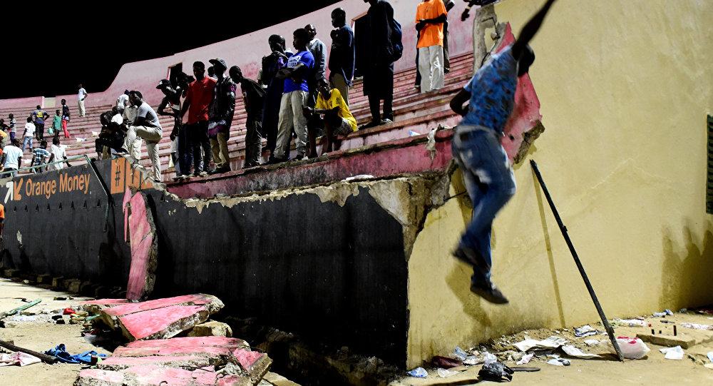 En Senegal hay 8 muertos tras estampida en estadio de futbol