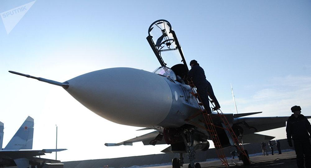 Casa Su-30 SM en la base aérea rusa (Archivo)