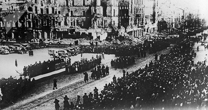 La liberacion de Varsovia (archivo)