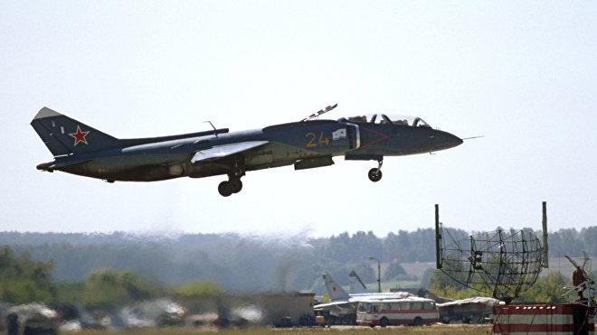 Avión de despegue vertical soviético Yak-38