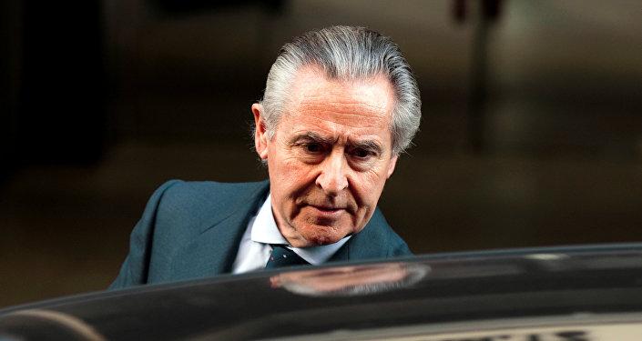 Rato, exdirector del FMI, pide perdón al entrar a la cárcel