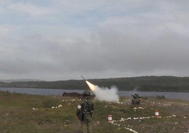 La Flota del Norte rusa practica sus defensas antiaéreas portátiles