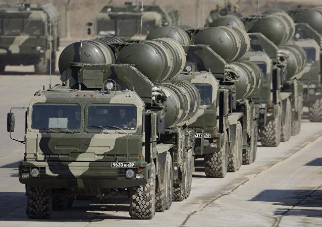 Los sistemas de misiles S-400