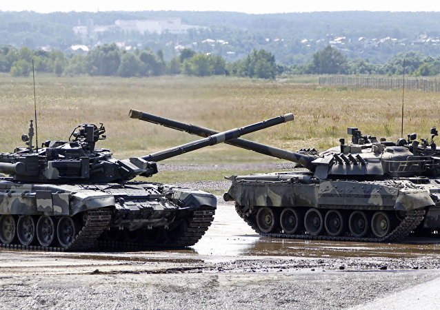 Tanques T-90 (Archivo)