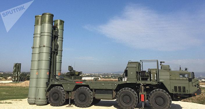 Sistema avanzado de misiles S-400 Triumf