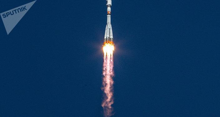 El lanzamiento del cohete portador Soyuz-2.1a
