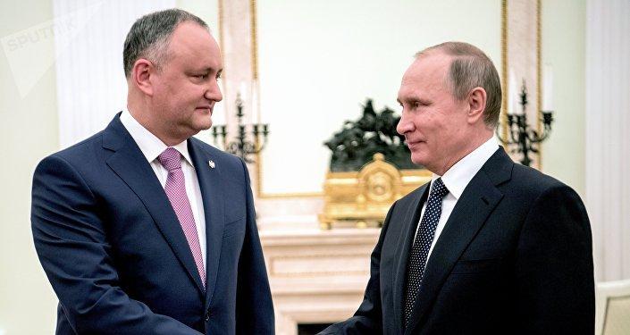 Ígor Dodon, presidente de Moldavia, y Vladímir Putin, presidente de Rusia (archivo)