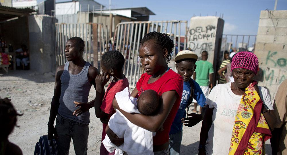 Migrantes haitianos deportados de la República Dominicana (archivo)