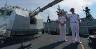 La corbeta china Huangshi echa anclas en el puerto ruso de Vladivostok