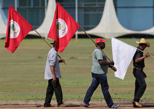Seguidores del Movimiento de los Sin Tierra brasileño (archivo)