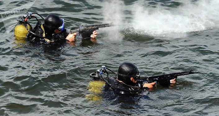 Buzos militares rusos