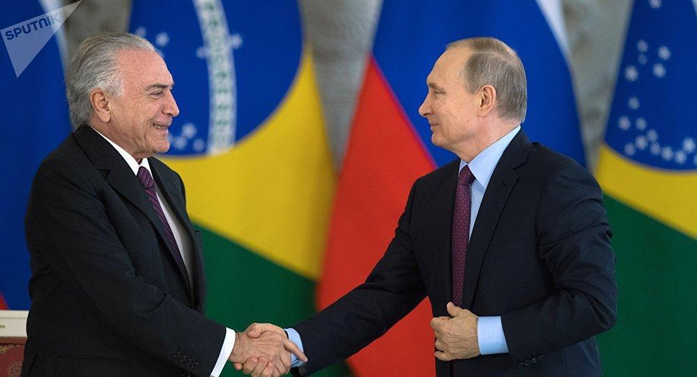 Presidente de Rusia, Vladímir Putin y el presidente Brasil, Michel Temer