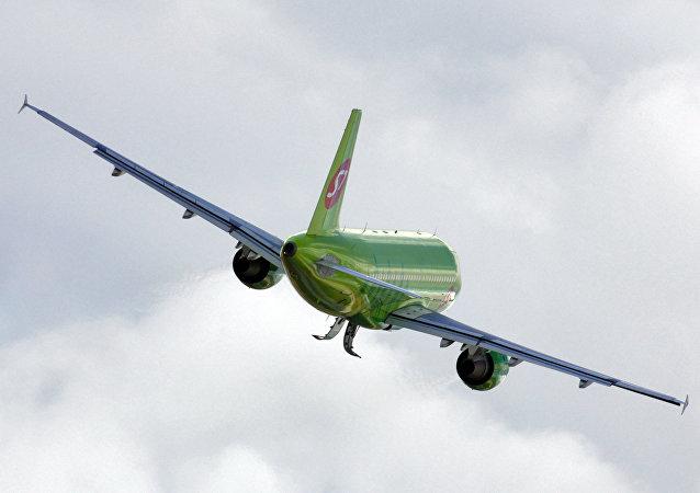 Un avión de la aerolínea rusa S7
