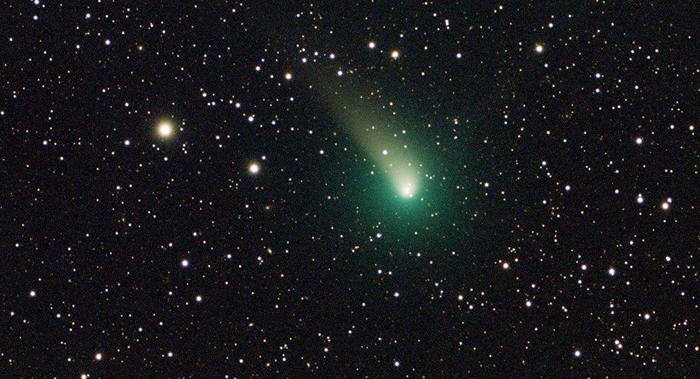 Cometa C/2015 v2 Johnson (imagen referencial)