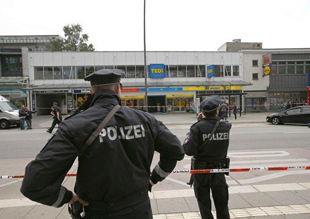 Policía de Hamburgo en el lugar del ataque