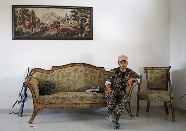 Un combatiente kurdo en Siria
