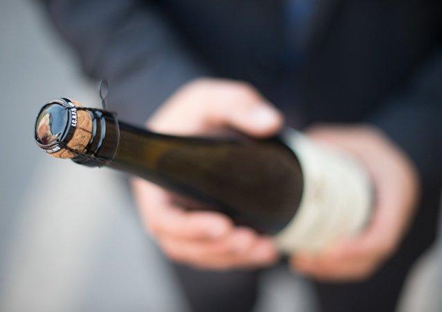 Una botella de champán (imagen referencial)